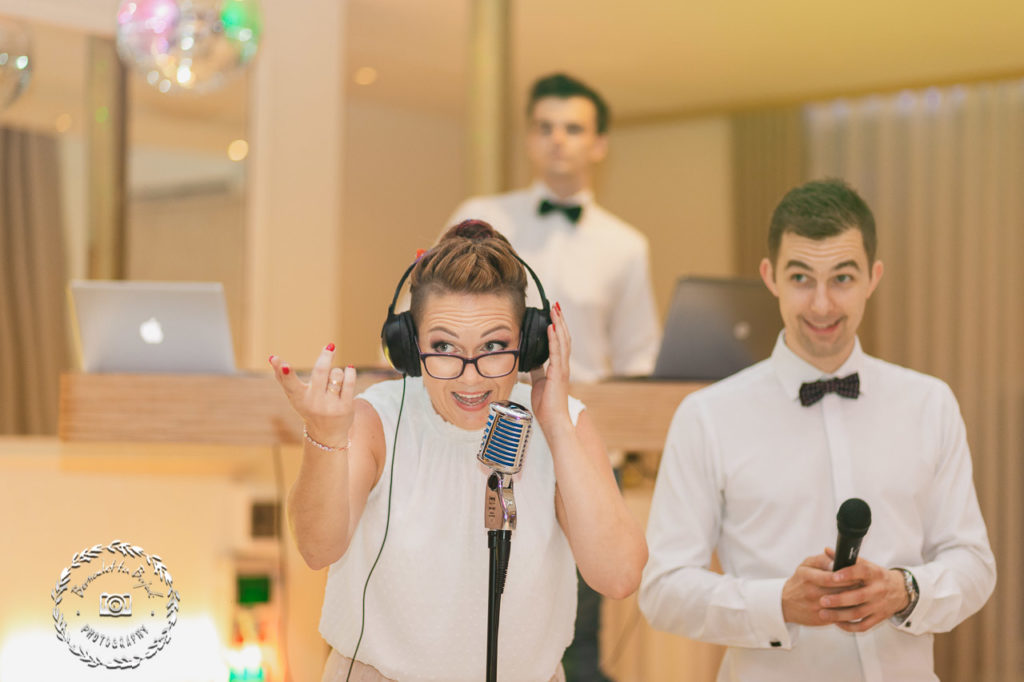 Zabawa weselna z mikrofonem
